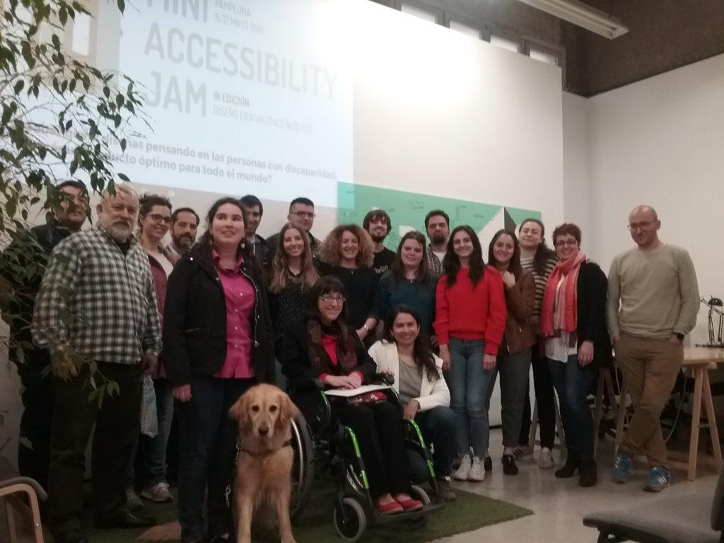 III Mini Accessibility Jam. Foto de todo el grupo, participantes, tutoras y jurado.